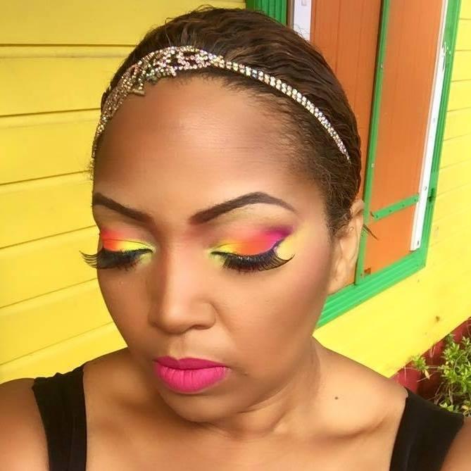 Reines-des-temps-modernes-beau-livre-bois-toile-du-marais-precommander-afro-afrique-histoire-poesie-photographie-art-design-modele-black-noir-femme-karine-makeup